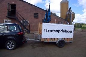 Boer Sjaak protesteert bij RIVM: 'Het is vechten tegen de bierkaai, maar we kunnen niks anders'
