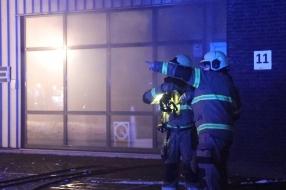 E-bikefabriek in Cuijk verwoest door brand nadat auto daar naar binnen reed