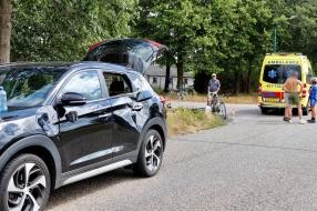 Wielrenner zwaargewond na botsing met auto in Wanroij