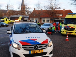 Vrouw aangereden nadat ze uit auto stapte in Wanroij, slachtoffer met spoed naar ziekenhuis